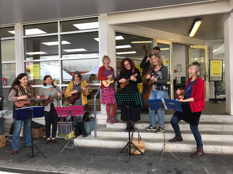 The Strumbles ukulele band at Go Eco